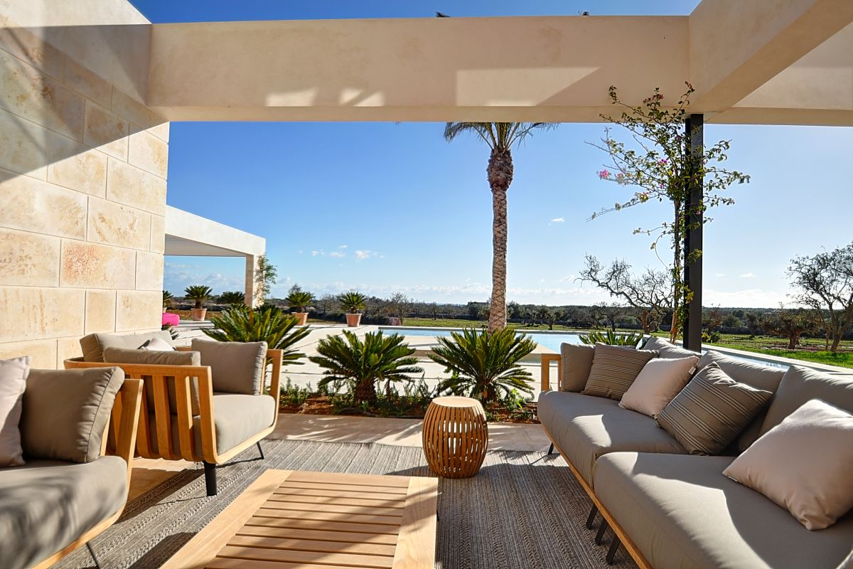 Newly-built villa with sea views in Cala Llombards-purchase