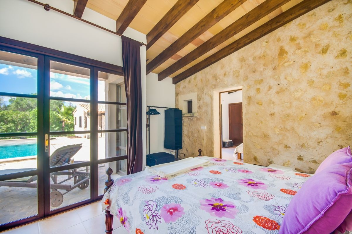 finca in costitx in an idyllic location with a lot of charm and privacy purchase - Solar Terrassen Dusche