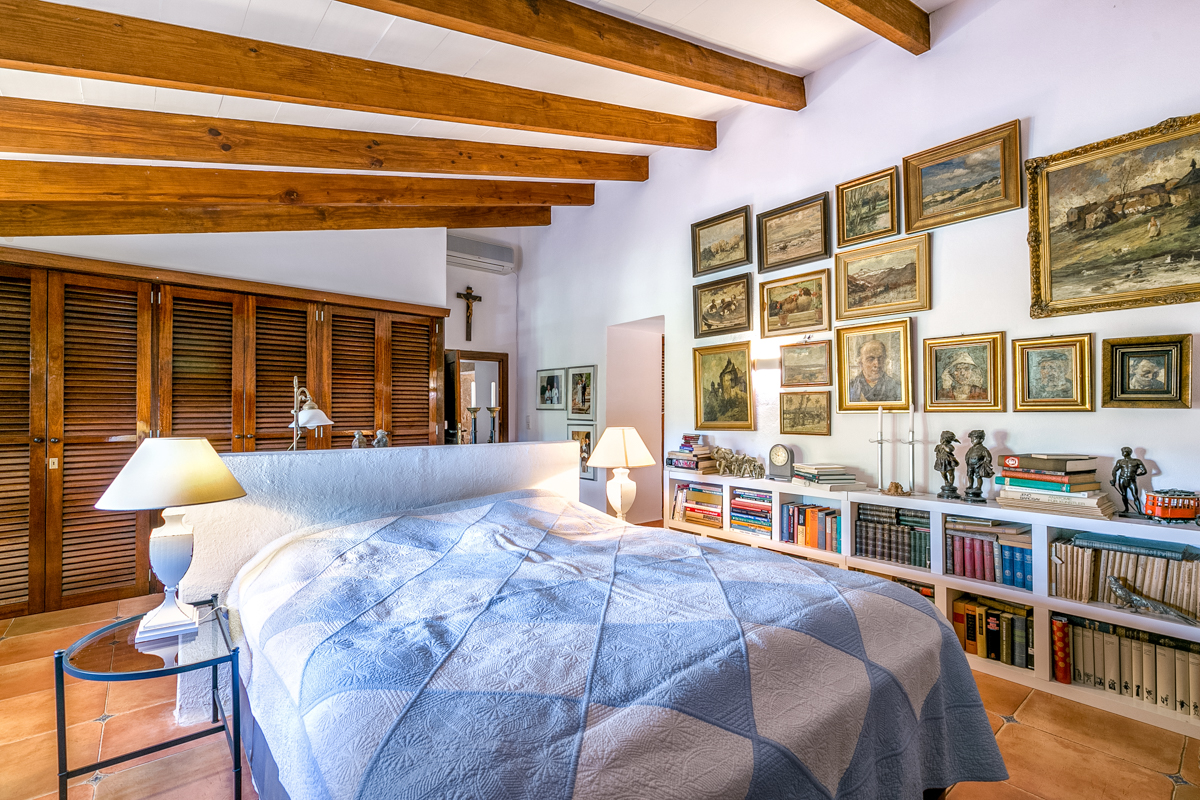Charming finca with wonderful views near S\' Alqueria Blanca-purchase
