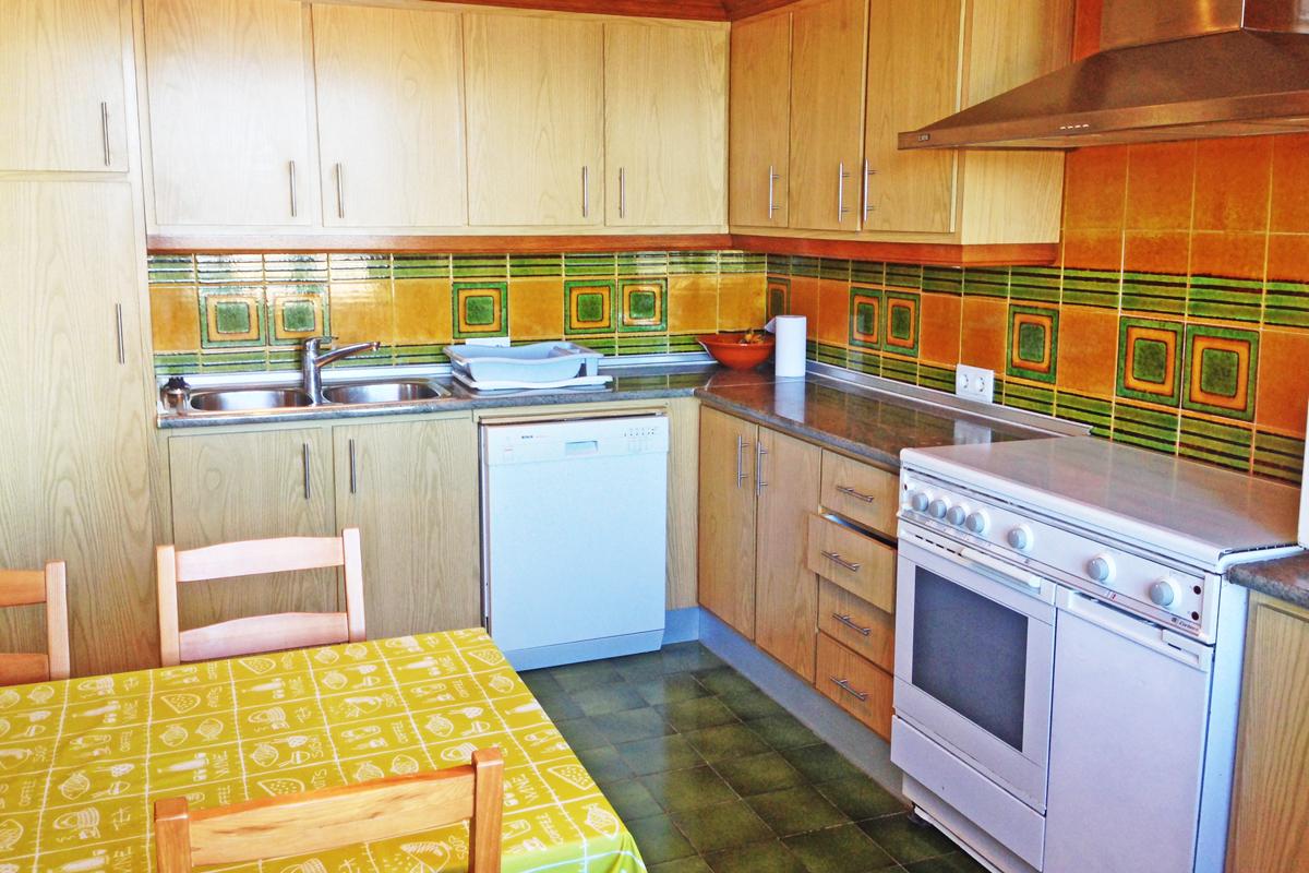 Modernisiertes Apartment in erster Meereslinie von Can Picafort mit ...