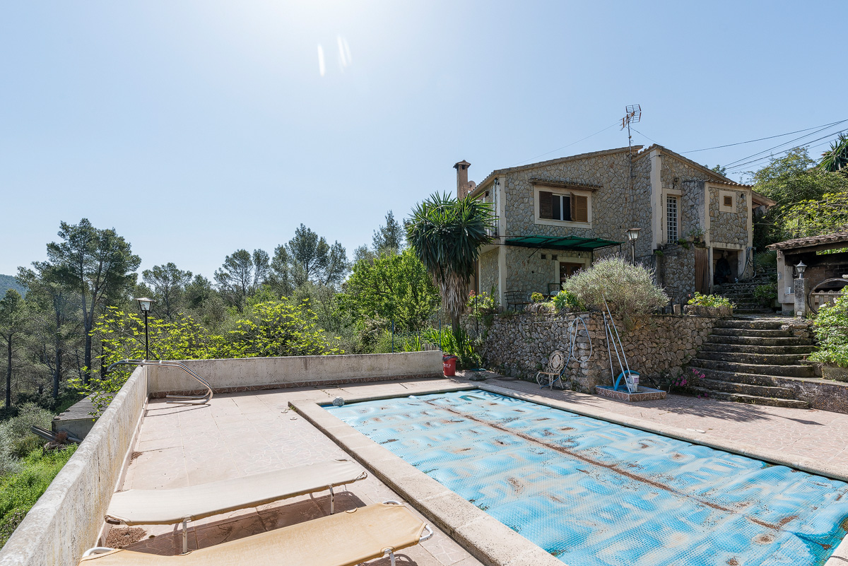A country house with a beautiful view to Tramuntana - purchase