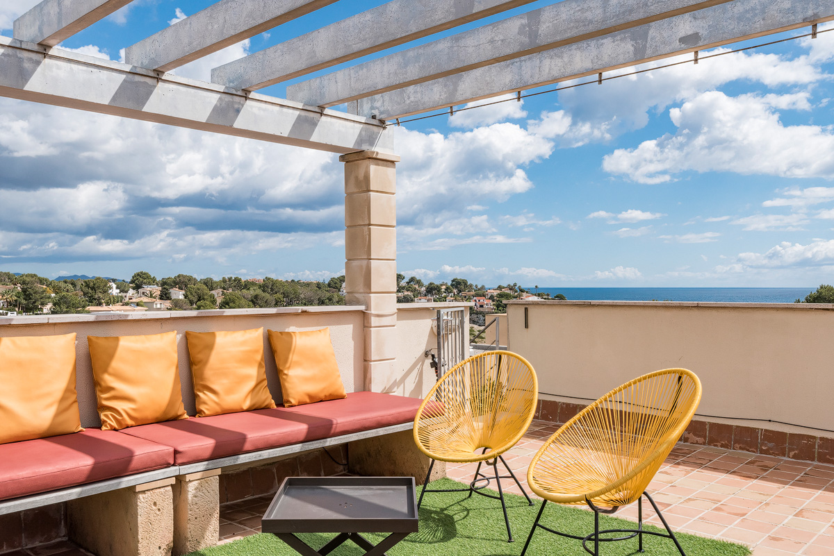 Duplex apartment with large roof terrace and spectacular sea views ...